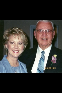 Mary Beth Roe and her dad
